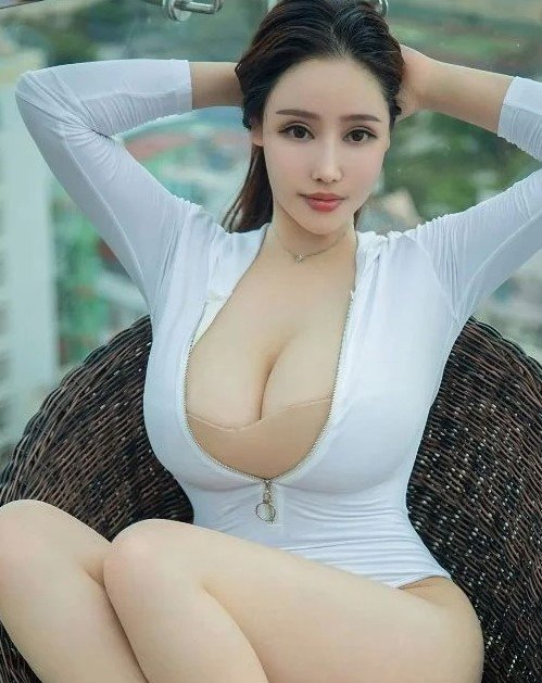 KLCC Young Escort | Perfect | Good Skills And Friendly Party Escort